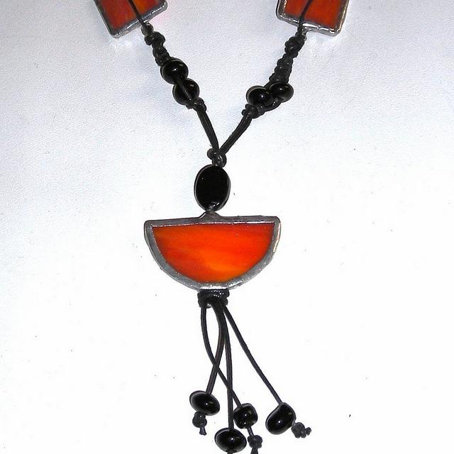 Monili e ciondoli realizzati a mano